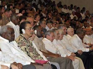 Preside Raúl Castro gala por los 60 años de acciones del 26 de Julio