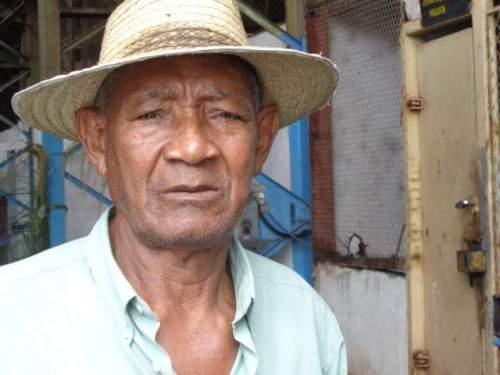 Salvador Ávalos Armenteros, quien labora como pailero en la entidad ferroviaria 60 Aniversario del municipio de Florida, será proclamado en las próximas horas en acto nacional de la Central de Trabajadores de Cuba (CTC) como Héroe del Trabajo de la República de Cuba