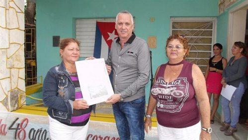 Recibe Radio Florida condición Colectivo Distinguido Nacional del Sector de la Cultura. Foto: Fermín Antonio Peña Sánchez