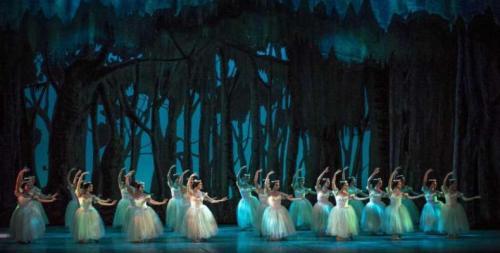 Se gradúan sudafricanos preparados con metodología del ballet de Cuba